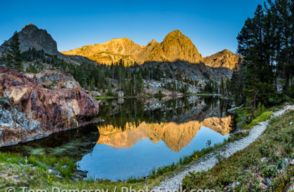 Sunrise at Nutter Lake in Hoover Wilderness of Humboldt-Toiyabe NF, California, USA.